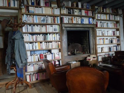 Literary coffee & book shop in Belle-île-en-mer