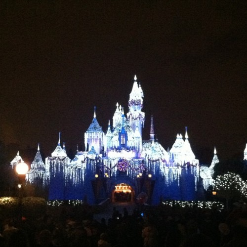 #disneyland #castle #lights #nonfilter #happyChild  (at Sleeping Beauty Castle)