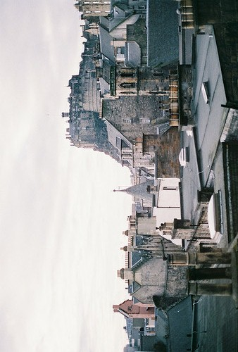 identicals:  untitled by 夏先生 on Flickr.