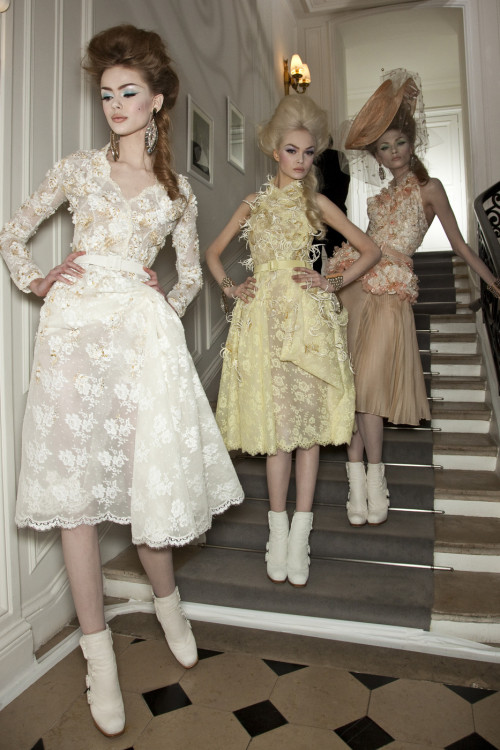 girlannachronism:  Christian Dior spring 2010 couture backstage