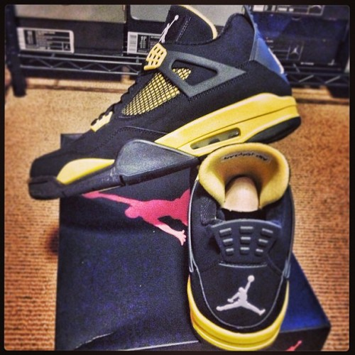 "#Skeelocker: Air Jordan IV ""Thunder"" ⚡ black/yellow before they drop this wknd…  #alwaysearly #igsneakercommunity #ajiv #aj4 #airjordan #nicekicks #thunder"