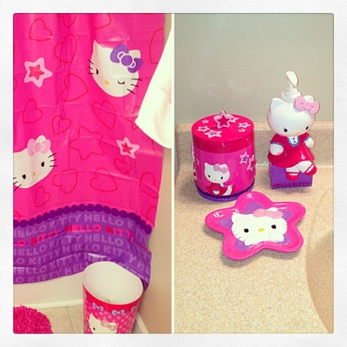 My new #hellokitty bathroom. In love! #me