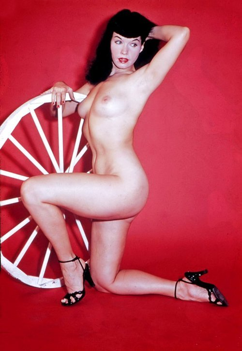 daysgonebymodels:  Bettie Page in Heels Nude