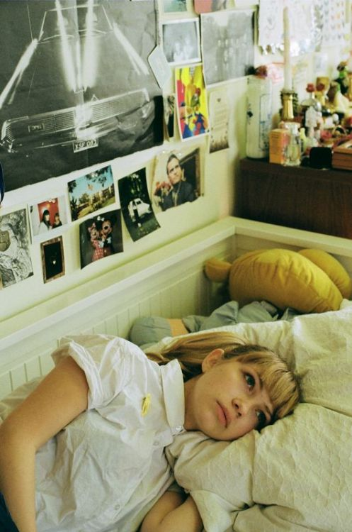 ohverytired:  Tavi Gevinson in her bedroom by Petra Collins