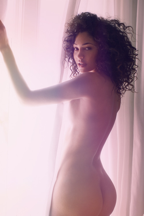 bornbythesea:  solmazsaberi: Via Models of Color