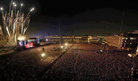 Hater: Justin Bieber doesn't have fans.  yeah right and these are rocks.