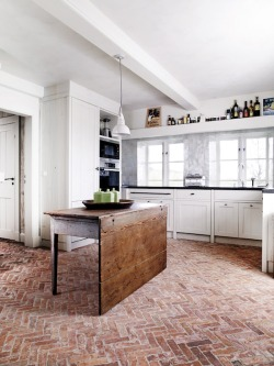 Love the herringbone brick floor.