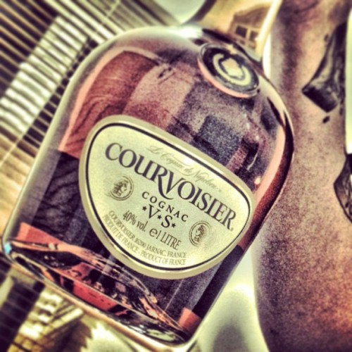 Calm Drink With @stevooomusic #Courvoisier #Cognac #VS #French #Drink