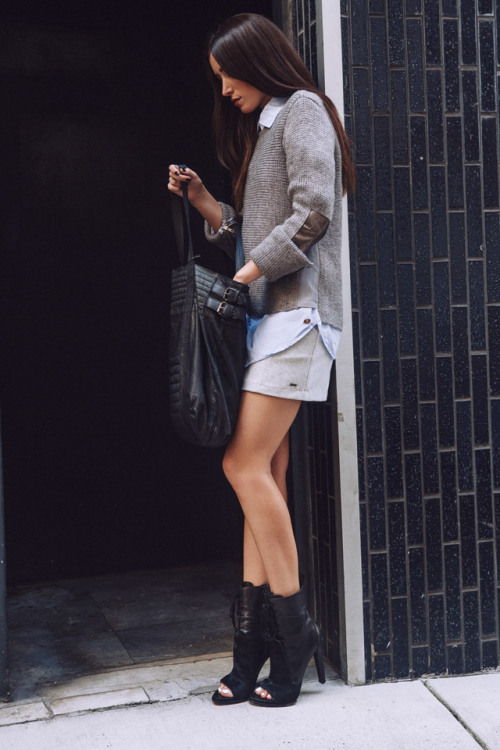 what-do-i-wear:  Blogger Carmen. Get her look thechroniclesofher.