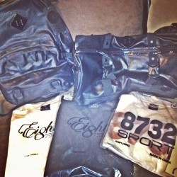 Special Thanks to @YoungJeezy & Carbon for my care package!! @8732apparel @8732Clothing #Team8732