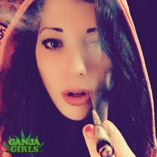 Little red #smoking hood @lindsehxo 💋💨 http://instagram.com/p/ZinHPmgDUa/