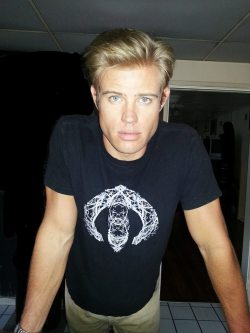 n0vi:  trevor donovan you gorgeous blonde babe
