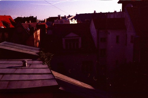 linnaeite:  Old town rooftops, Riga, Latvia, August 2011.