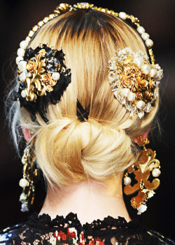 fuckyeahfashioncouture:  Dolce & Gabbana Fall-Winter 2012