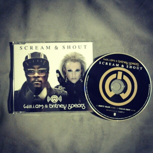 Finally received my Scream & Shout CD single Check out my blog for scans by clicking on the picture