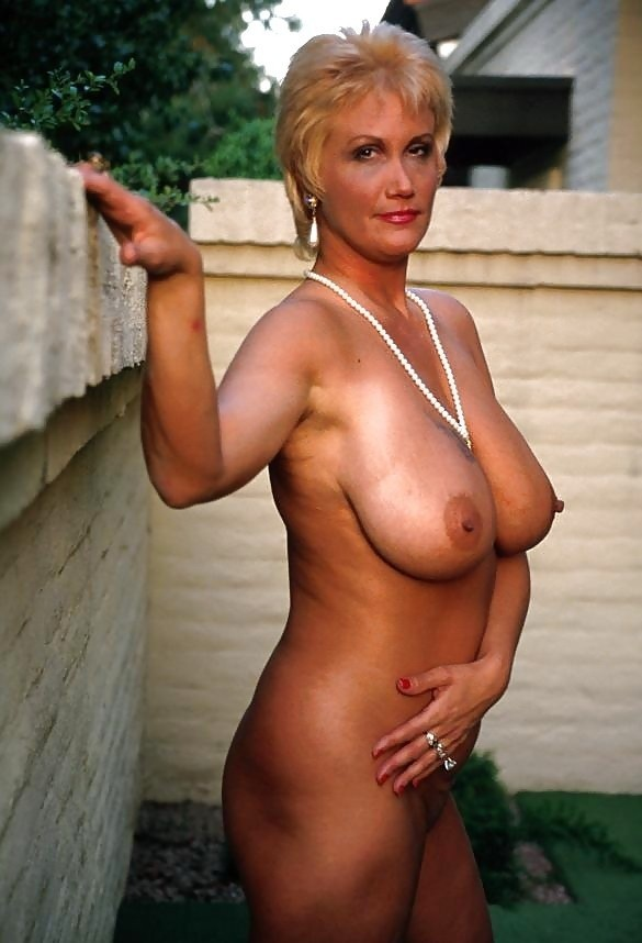 порно трахнул шикарную блондинку