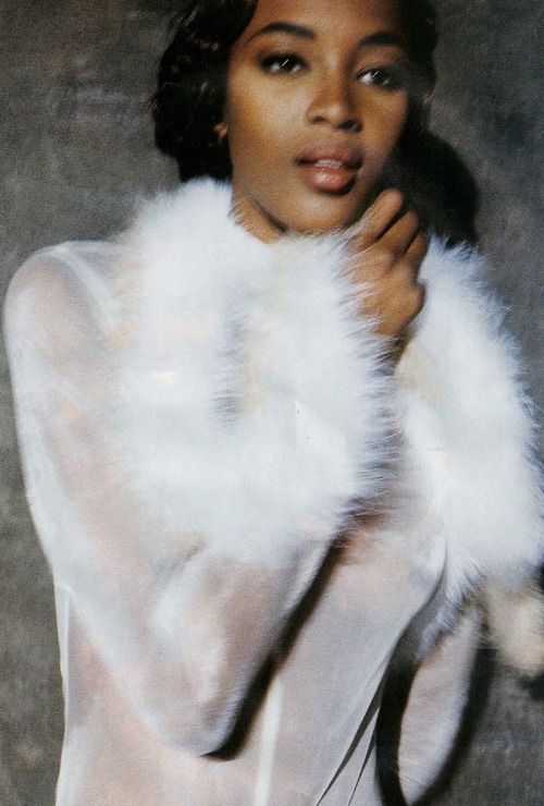 "sfilate:  Naomi Campbell in ""Enroulez-moi!"" photographed by Chico Bialas for Elle France, December 1990"