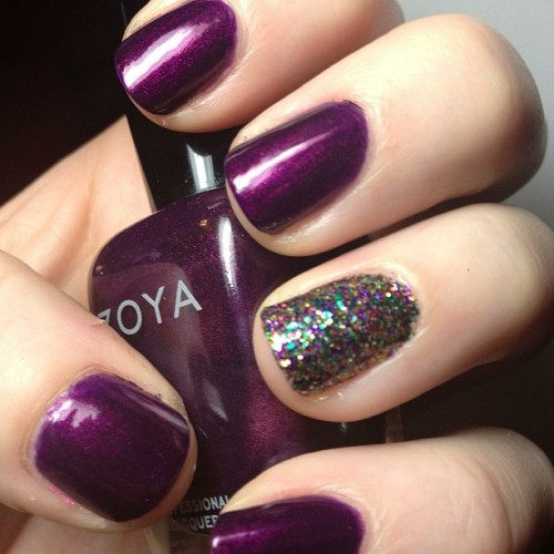 The mani I meant to do for Mardi Gras, but then my nephew arrived! Zoya Yasmeen + ChG Glitter All the Way