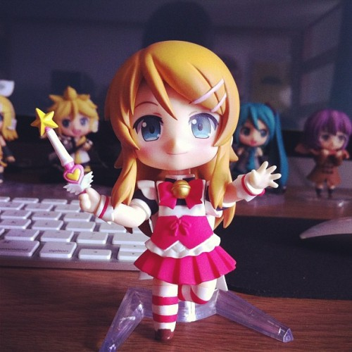 Kirino's stand broke, so I put her head on Hermione's (Hatate's) body and used the stand for that. It's Kirino, so it counts lol. #kirino #hayate #maid #magic #nendoroid #nendonesia #toys #toycrewbuddies #toycrewbuddiesjp #toyplanet #toyrevolution #figures