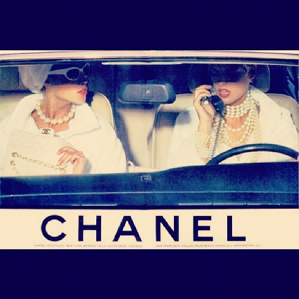 HAPPY SUNDAY THANK GOD FOR ALL THE CREATIVITY THAT BUILD FASHION . #chanel #vintage