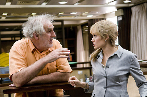 Phillip Noyce and Angelina Jolie on-set of Salt (2010)