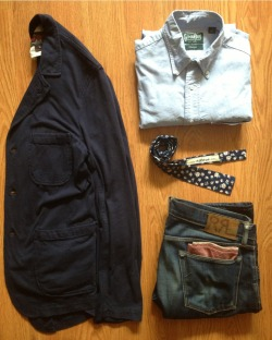 "hotwhiskey:  I feel like this outfit is straight out of blogspot '09-'10. ""They say the classics never go out of style, but they do. They do. Somehow baby, I never thought we do too"" Refused, worms of the senses"