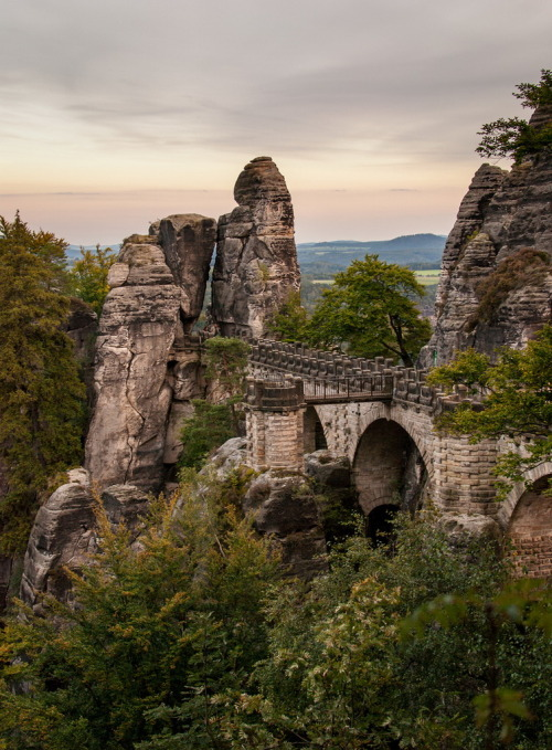 visitheworld:  The Bastei Bridge in Saxon Switzerland, Germany (by SteFou).