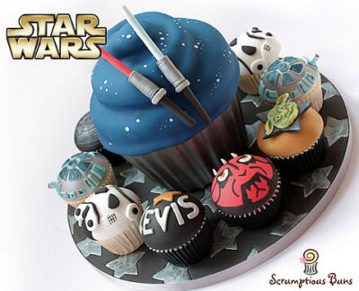 Happy Star Wars day everyone! May the fourth be with you! Here are some cupcakes!