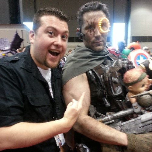 Me and the amazing Cable cosplayer at #C2E2. #MarvelC2E2 #cosplay #Marvel