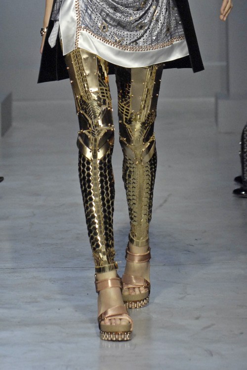 solstice-hearts:  amplifiedattire:  Robot(?) leggings by Balenciaga. [Source]  I HAVE A MIGHTY NEED