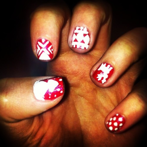 Christmassy nails 💅🎄🎅⛄ #nails #christmas #red #white #sparkles #reindeer #christmastree #patterns #toomanyhashtags