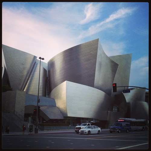 Hello Gehry #frankgehry #waltdisney #concert #hall #losangeles #architecture (at Walt Disney Concert Hall)