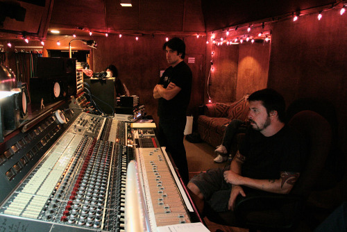 nineinchnails:  Recording With Teeth at Sound City Studios with Dave Grohl, 7.11.04. Photo: Rob Sheridan