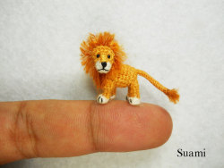 laughingsquid:  Teeny Tiny Crochet Animals That Are Smaller Than a Fingertip  my favourite lion teddy