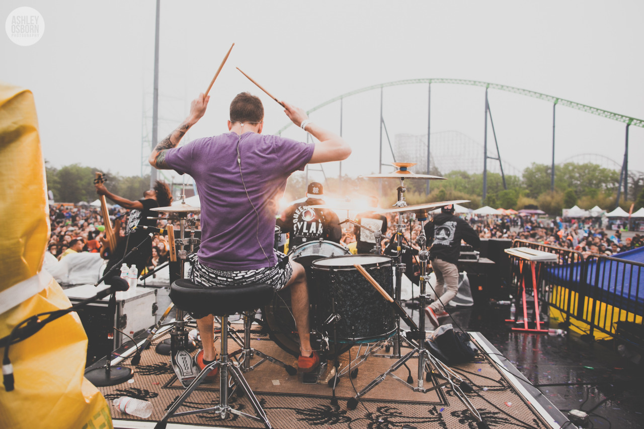 ashleyosborn:  ISSUES May 19th, 2013Jackson, NJSkate and Surf