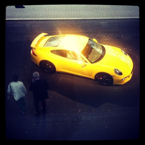 #yellow #porsche at Porsche #arena #stuttgart #woman #atp #tennis