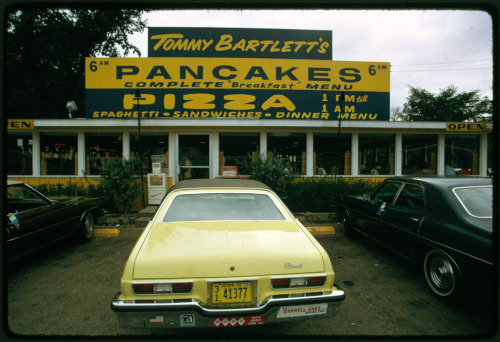 Jonas Dovydenas' photograph of a pancake and pizza restaurant in Wisconsin Dells, Wisconsin, 1973 (via Boston.com)
