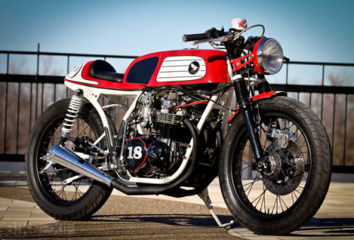 The Dunstall-style tank seals it for me. More at Bike Exif.