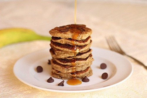 vegan chocolate chip oatmeal pancakes (diet-friendly) click here for recipe