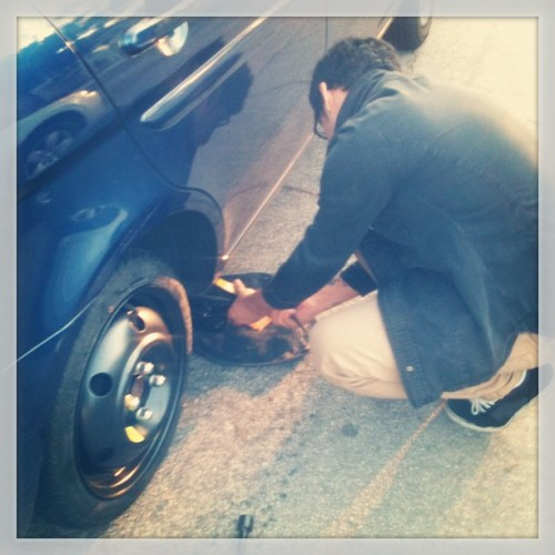 So I got a flat tire today … But he was here to save me :). #flattire #myknight thank you @magnetron88