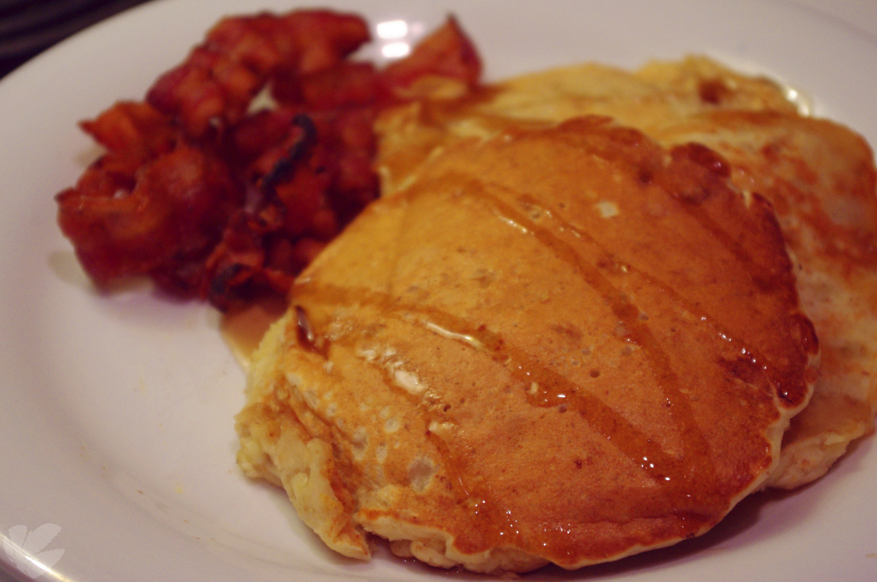 Banana pancakes and bacon