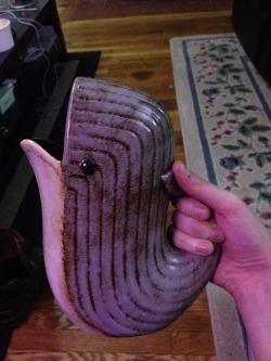 thefingerfuckingfemalefury:  ayellowbirds:  coelasquid:  It's supposed to be a pitcher but I might just use it as a beer stein.  oh wow, i wish i had one!  I desire to drink delicious fruit drinks from this adorable WHALE CUP  jacketry 😍😍😍