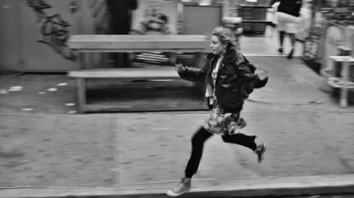 beingstowarddeath:  Frances Ha  I'm experiencing a serious need to see both this and The Great Gatsby these days (which, in my St. Louis traveling this past weekend, I failed to see then). Help.