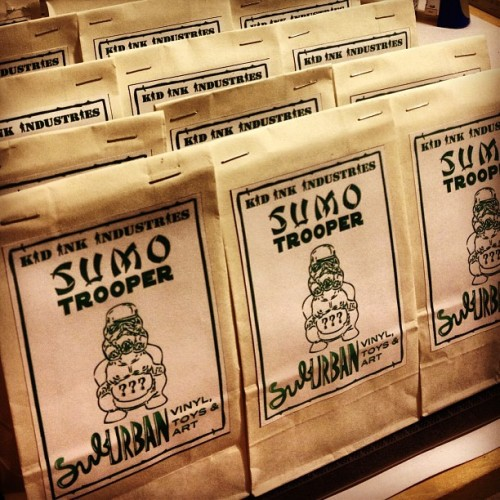 Today! @suburbanvinyl #suburbangreen #sumotrooper series drop @ #suburbanvinyl's #grandreopening #kidinkindustries #exclusive #resin #minifigure #blindbag 4pm-8pm (at SubUrban Vinyl Promotion Blimp )