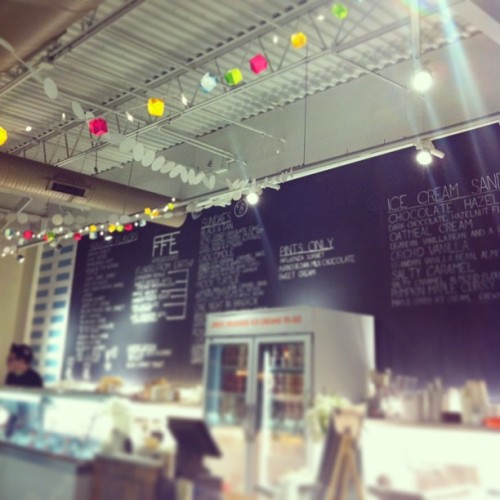 Love the lights. #jenisicecream