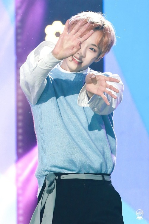 """ 180512 Dream Concert
