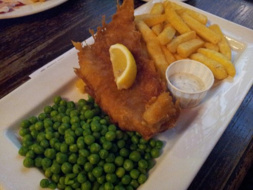 Good old fish and chips! It's never complete without a good dollop of tartar sauce. =P