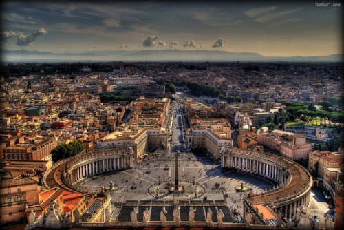aftertheafterlife:  The Vatican. I want to stand in this plaza, and then run a few laps around it.