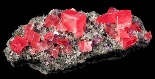 Rhodochrosite with Fluorite and Quartz from Colorado by Exceptional Minerals