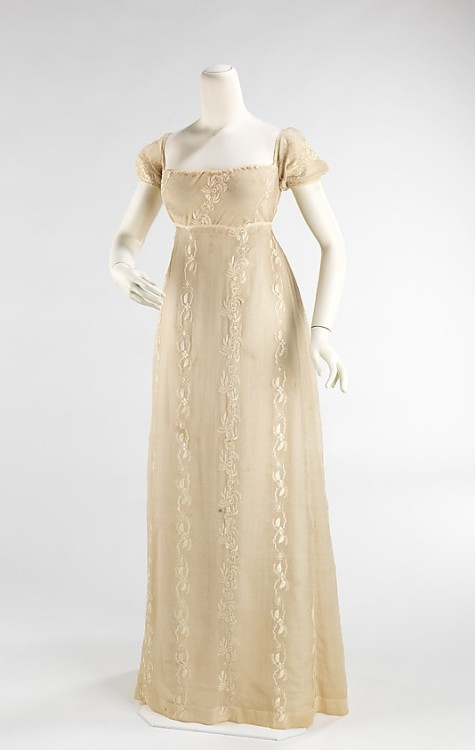 fashionsfromhistory:  Dress 1810-1812 MET